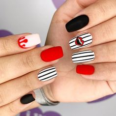 Acrylic nails for beginners and professionals, how long do they last. What are the acrylic nails, what is the difference between acrylic and gel, where did thes Burgundy Acrylic Nails, Rounded Acrylic Nails, Classy Acrylic Nails, Matte Pink Nails, Pink Glitter Nails, Almond Acrylic Nails, Summer Acrylic Nails, Best Acrylic Nails, Rhinestone Nails