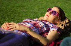 Girl in the park - photo by stevomchun Photo Contest, Sunglasses, Park, Color, Fashion, Moda, Pageant Photography, La Mode, Photography Challenge