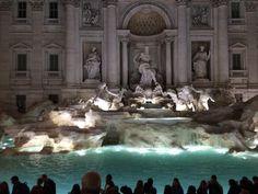 04.11 Les touristes et les Romains peuvent à nouveau admirer la fontaine de Trévi dans la capitale italienne après plusieurs mois de restauration.Photo: Lecteur reporter/Busset