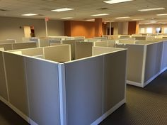 """Open Plan Systems """"Razor"""" workstations at Factor Trust"""