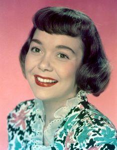 Golden Age Of Hollywood, Classic Hollywood, Old Hollywood, Yvonne Craig, Shirley Jones, Ann Margret, Old Movie Stars, Classic Movie Stars, Classic Actresses