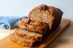 ultimate banana bread – smitten kitchen- this is the ultimate! Best banana bread yet- (and they are all good! Cupcakes, Cupcake Cakes, No Bake Desserts, Dessert Recipes, Cake Recipes, Picnic Recipes, Baking Desserts, Health Desserts, Smitten Kitchen Cookbook
