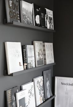 The exhibitor library (and more black walls . - Now that we have overcome the black walls yes or no black walls, we go with possible ideas on how t - Home Deco, Interior And Exterior, Interior Design, Diy Décoration, Black Walls, Handmade Home, Home And Living, Living Room, Home Staging