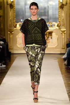 Milan Fashion Week Day 3 Les Copains Spring/Summer 2015 Ready to wear 19 September 2014 Trend Council, Batik Fashion, Spring 2015 Fashion, African Inspired Fashion, Spring Summer Trends, Fashion Show, Fashion Design, Uk Fashion, Milan Fashion