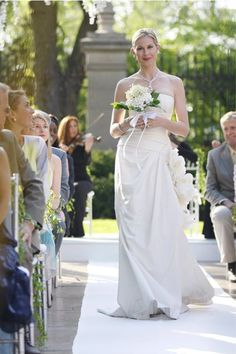 Lily van der Woodsen, Gossip GirlOf course, we had to include a special shoutout to Mama VDW's sophisticated strapless gown. If you're going to marry your daughter's future husband's dad, you should at least do it in style. #refinery29 http://www.refinery29.com/2015/09/93917/best-tv-show-wedding-dresses#slide-25