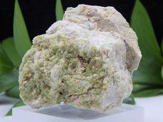 Elbaite Tourmaline Crystals on Cleavelandite w/ Lepidolite Matrix, Mt Mica Maine  | eBay