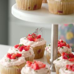 Can you believe these cupcakes are dairy-free? These strawberry cupcakes are top. Can you believe these cupcakes are dairy-free? These strawberry cupcakes are topped with yummy strawberry mint buttercream! No Dairy Recipes, Vegan Dessert Recipes, Köstliche Desserts, Gluten Free Desserts, Whole Food Recipes, Delicious Desserts, Yummy Food, Vegan Treats, Vegan Foods
