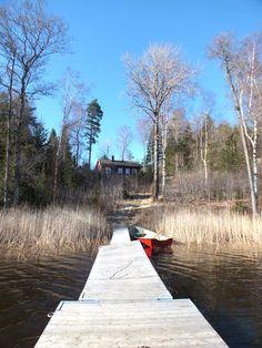 lovely Swedish house at the lake - SOYZblog