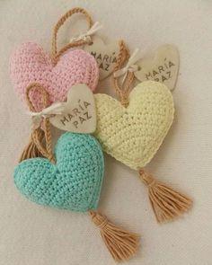 Gift wire mesh baskets ear Facing The Sea - Arthur Marlow Crochet Motifs, Crochet Art, Crochet Home, Crochet Gifts, Crochet Dolls, Crochet Flowers, Free Crochet, Knitting Patterns, Crochet Patterns