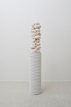 Elise is an artist engaged with the shape and form of objects in space. Her sculptures push materials to the edge of realism, interrogating notions of materiality, duration and process.