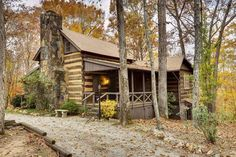 Peek inside this 1795 log home for a fascinating glimpse into bygone days (video)