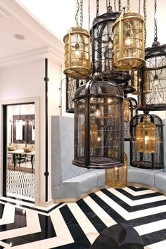 Working on a hotel lobby lighting interior design project? Find out the best lighting inspirations for it at luxxu.net
