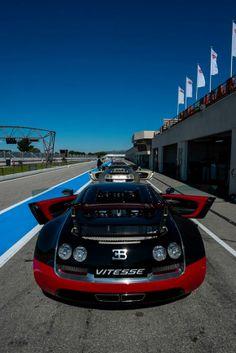 Des #Bugatti #Veyron au circuit Paul Ricard