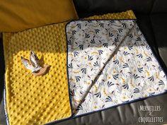Couture : couverture de naissance – Merveilles et Coquillettes Diy Kaleidoscope, Maxi Dress Tutorials, Stencil Wall Art, Fleece Hats, Dress Sewing Patterns, Fabric Sewing, Baby Couture, Crochet Videos, Diy Accessories