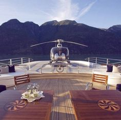 "The yacht life. >> Luxuvore for more! Luxury - > Luxuvore for more! Luxury""> The yacht life. >> Luxuvore for more! Yacht Luxury, Luxury Travel, Luxury Cars, Luxury Homes, Yacht Design, Millionaire Lifestyle, Millionaire Dating, Beverly Hills, Boating Holidays"