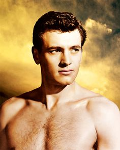 Hollywood Men, Hollywood Icons, Vintage Hollywood, Classic Hollywood, Most Popular Movies, Rock Hudson, Colorized Photos, Beautiful Men Faces, Vintage New York