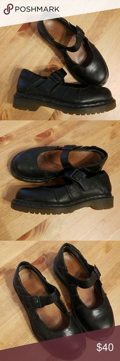 Doc Martens Mary Janes Great used condition, Doc Martens Mary Janes. Size 37 (marked US 6 but run a little larger). Black leather upper. Dr. Martens Shoes