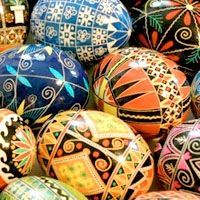 pysanky- Russian decorated Easter eggs, these are so much fun to make- and easy too!