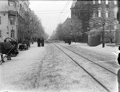 Bulevardi noin vuonna 1900 – Gustaf Sandberg.SLS