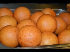 Buñuelos colombianos - YouTube Empanadas, Delish, Breads, Pancakes, Peach, Fruit, Youtube, Food, Farmhouse Rugs