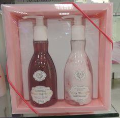 Deixe o dia do seu amigo secreto mais perfumado com uma loção hidratante e um sabonete líquido de presente! O kit é das Lojas Renner por R$39,90
