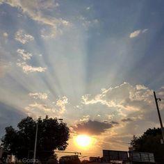 El sol al caer la tarde... antes de la lluvia en #Guadalajara  #sunset