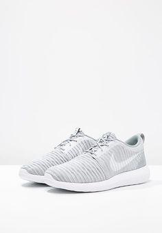 Nike - ROSHE TWO FLYKNIT