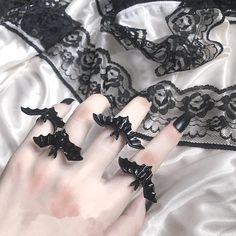 Gothic Rings, Gothic Jewelry, Witch Jewelry, Goth Makeup, Black Bat, Manicure Tools, Dark Gothic, Skull Design, Gothic Lolita