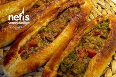 Mince Puff Pita - Köstliche Rezepte - # 4974667 - Famous Last Words Good Food, Yummy Food, Iftar, Frozen Yogurt, Meatloaf, Hot Dog Buns, Bread Recipes, Ham, Bakery