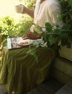 Aspiring Homemaker: Honeysuckle Rose Jelly