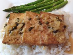 A fantastic recipe for Tofu In Green Peppercorn Sauce! This is a great dish that everyone is sure to love. Perfect for a weeknight supper, too! www.theculinaryexchange.com