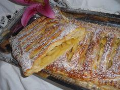 Reasons to Learn Brazilian Portuguese Portuguese Tarts, Portuguese Desserts, Portuguese Recipes, Puff Pastry Desserts, Puff Pastry Recipes, Apple Recipes, Sweet Recipes, Desserts Around The World, Sweet Pie