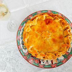 E ela a mais amada e desejada a Torta de Camarão (Massa de iogurte, Camarão, Cenoura e Requeijão). #tortadecamarão 🌱🐟🐄🍫🍰 @donamanteiga #donamanteiga #danusapenna #amanteigadas #gastronomia #food #bolos #tortas www.donamanteiga.com.br