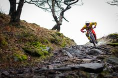Photoshoot with Jack Reading on his new proto-type ellsworth downhill bike..