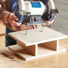 Woodworking Benches Make your grinder portable - A bench grinder comes in handy for everything from sharpening tools to rounding over thread ends on a cutoff bolt. Get the most of of your grinder. Wood Tools, Diy Tools, Woodworking Workbench, Woodworking Projects, Workbench Ideas, Woodworking Jigsaw, Garage Workbench, Woodworking Techniques, Welding Projects