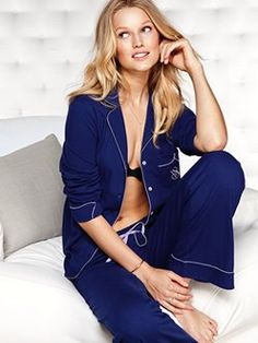 For staying up or staying over, the Sleepover Cotton Pajama set from Victoria's Secret is the cozy secret to a good night's sleep. Made of lightweight and ultra-soft cotton, with cute details like contrast piping and a logo pocket to make dreams that much sweeter.