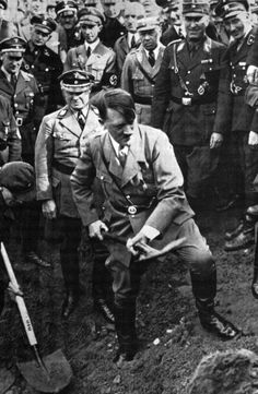 """"""" 1933 September 23 Hitler digging at the autobahn dedication Hitler forgot something on that day only, which is clearly visible in this photo. Can anyone figure out what that was? Dankest Memes, Funny Memes, Jokes, Hilarious, Rage Comic, Video Humour, How To Play Minecraft, The Third Reich, One Drop"""