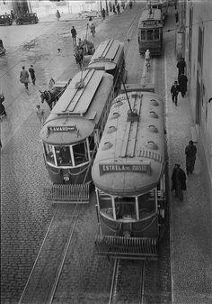 Eléctrico, Lisboa, Portugal by Biblioteca de Arte-Fundação Calouste Gulbenkian, via Flickr Lisbon Tram, Lisbon Airport, Lisbon City, Old Pictures, Old Photos, Tramway, Time Photography, Vintage Photography, Most Beautiful Cities