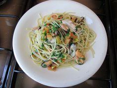 Spaghetti alle  cozze e  pomodoro    Gino D'Aquino   <^>  <^>  < ^ >   /£$%&/
