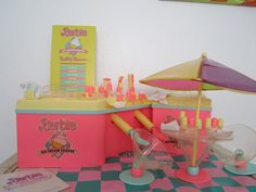 Barbie Doll 1987 Ice Cream Shoppe Shop Desert Maker with box. I loved this! I remeber this! Barbie Playsets, Barbie Toys, Barbie I, Barbie World, 1980s Barbie, Barbie Shop, 90s Childhood, My Childhood Memories, Vintage Barbie