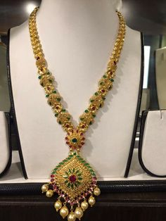 India Jewelry, Fashion Jewelry Necklaces, Gold Haram, Gold Jewelry Simple, Long Necklaces, Gold Jewellery Design, Ear Rings, Gold Bangles, Necklace Designs