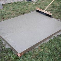 How to Build a Concrete Pad Pouring Concrete Slab, Poured Concrete Patio, Concrete Pad, Mix Concrete, Concrete Projects, Stained Concrete, Concrete Floors, Backyard Patio Designs, Backyard Projects