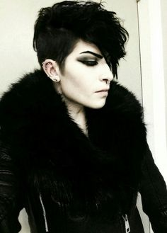 Try easy Short Goth Hairstyles 246713 Hairstyle for Goth Guys Goth using step-by-step hair tutorials. Check out our Short Goth Hairstyles 246713 Hairstyle for Goth Guys Goth tips, tricks, and ideas. Androgynous Fashion, Androgyny, Dark Fashion, Gothic Fashion, Cute Emo Guys, Goth Hair, Emo Hair, Goth Guys, Goth Look