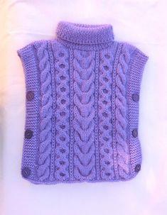 Poncho Enfant, Fille, en laine, Taille 24/36 mois, jolis motifs de torsades, Coloris Mauve, Tricoté à la main