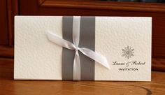 Hey, ho trovato questa fantastica inserzione di Etsy su https://www.etsy.com/it/listing/185626393/winter-wedding-invitation-silver-and