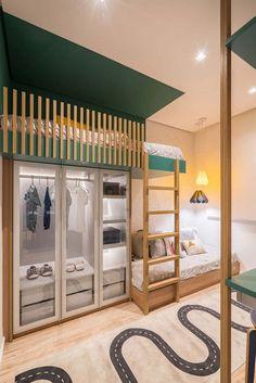 Quarto pequeno com solução inteligente para 2 crianças. Beliche com armário. Cool Kids Bedrooms, Kids Bedroom Designs, Kids Room Design, Small Room Bedroom, Bedroom Decor, Bed Room, Dream Rooms, Girl Room, Home Interior Design