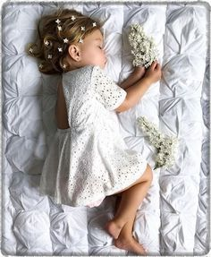 Young Girls Think Brilliance is a Male Trait Why? The Everygirl Baby Girl Dresses Brilliance Everygirl Girls Male Trait young Cute Kids, Cute Babies, Baby Kids, Baby Baby, Baby Girl Fashion, Fashion Kids, Wedding Dresses For Girls, Flower Girl Dresses, Girls Dresses