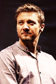 Ooo ... Jeremy Renner. Re-pin but I love this photo ;)