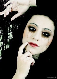 Gothic make-up