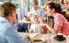 Etsitkö lapsiystävällistä ruokapaikkaa Helsingistä? Tässä Kaksplussan opas pääkaupungin ravintoloihin ja kahviloihin, joissa huomioidaan hyvin myös lapset.